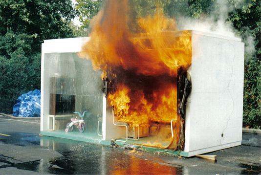 Simulacao-de-incendio-com-e-sem-Sprinklers (2)